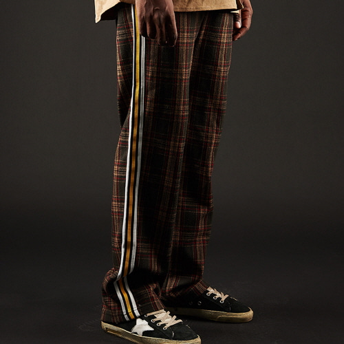 [20%할인][OVER THE ONE] CHECK PATTERN SIDE LINE PANTS (brown)