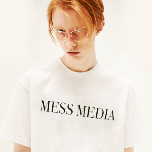 [20%할인][SLEAZY CORNER] MESS MEDIA HALF T SHIRT-WHITE
