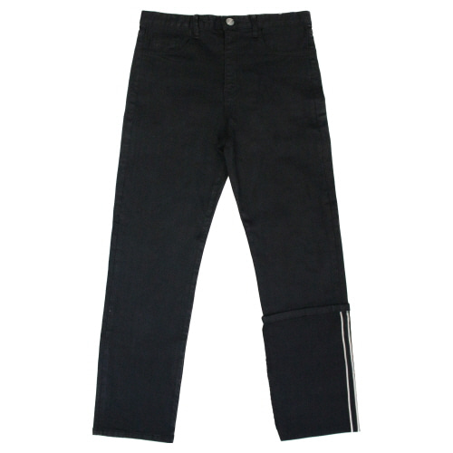 [EASY BUSY] Unbalance Selvage Detail Jeans - Black